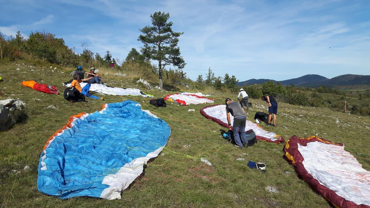 élèves au décollage de roquefeuille